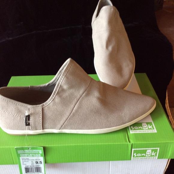 cb4ff7312d7 Sanuk Katlash shoe